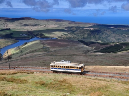Snaefell No.1 ascends to the summit in Spring 2014. © Andrew Scarffe