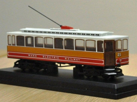 1:76/00n3 scale Oxford Diecast Car No.21 on display. © Andrew Scarffe